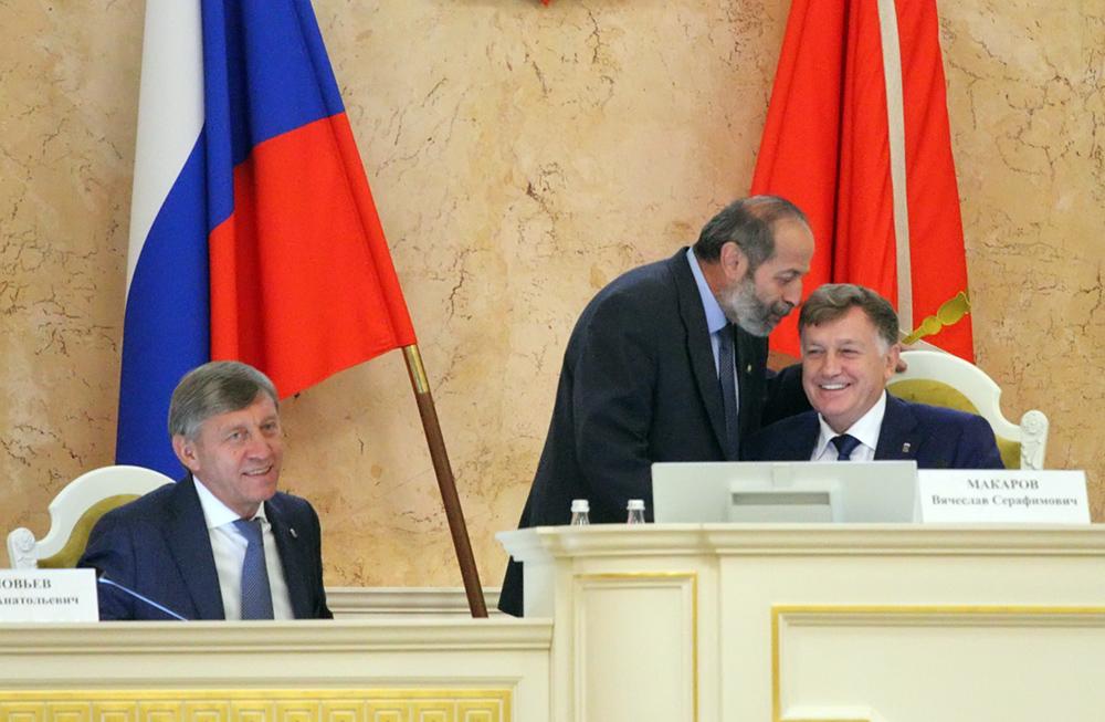 фото ЗакС политика Макаров отказался комментировать критические публикации о Вишневском