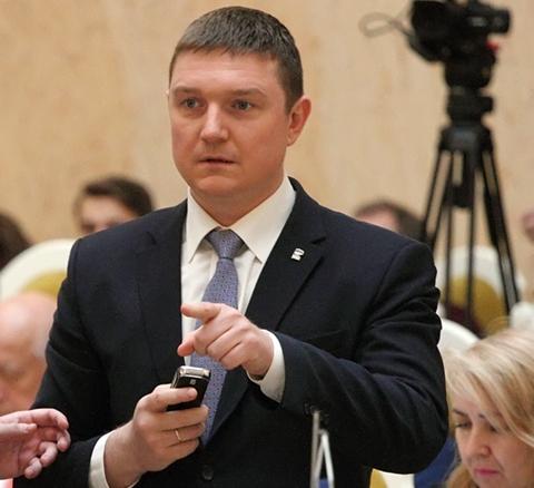 """фото ЗакС политика Цивилев: Заходишь в """"Яндекс-Навигатор"""", читаешь, что люди думают о депутатах, и можно в этот день уже ничего не читать"""