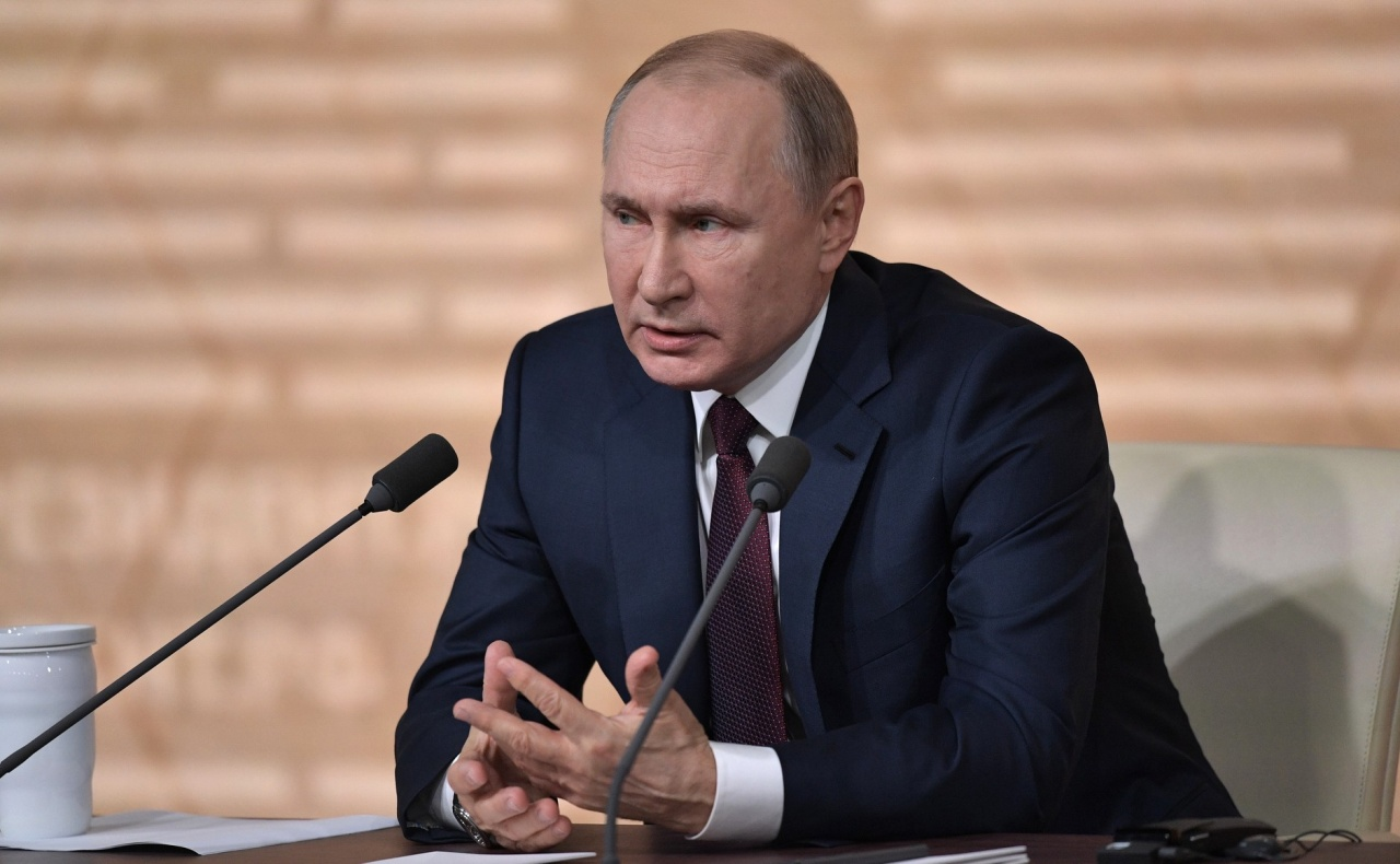 Рейтинг доверия Путину снизился почти в два раза за два года