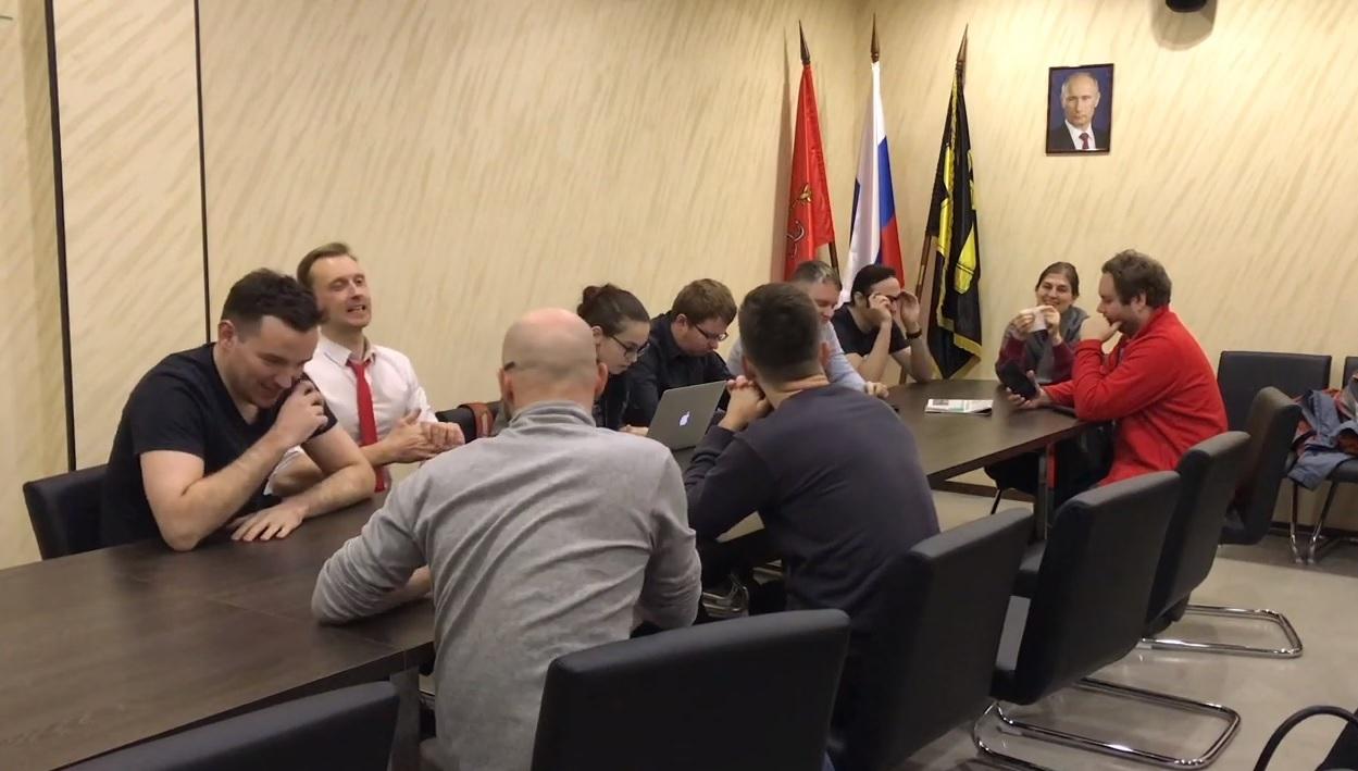 """фото ЗакС политика """"Яблочники"""" из Литейного округа опасаются попытки роспуска местного совета"""