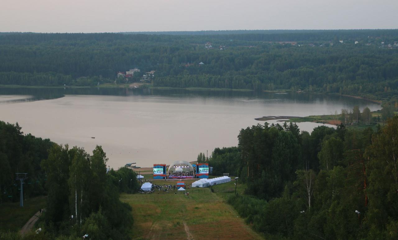 фото ЗакС политика Главный open-air года пройдет на Красном озере