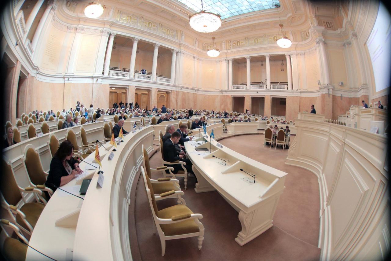 фото ЗакС политика Четыре депутата ЗакСа войдут в совет по вопросам градостроительной деятельности при Смольном