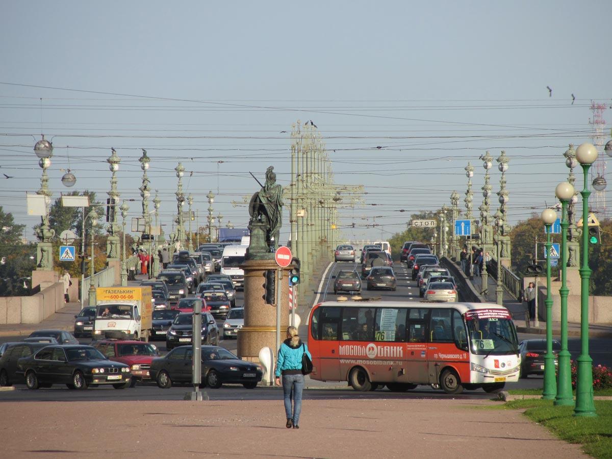 фото ЗакС политика Смольный планирует установить почти 600 новых остановок транспорта
