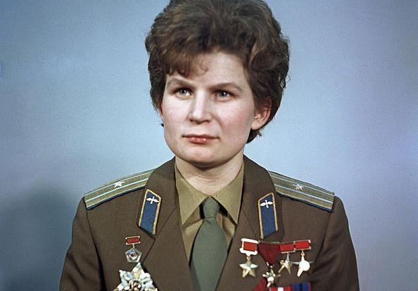 фото ЗакС политика Володин поздравил Терешкову с 56-летием со дня ее полета в космос