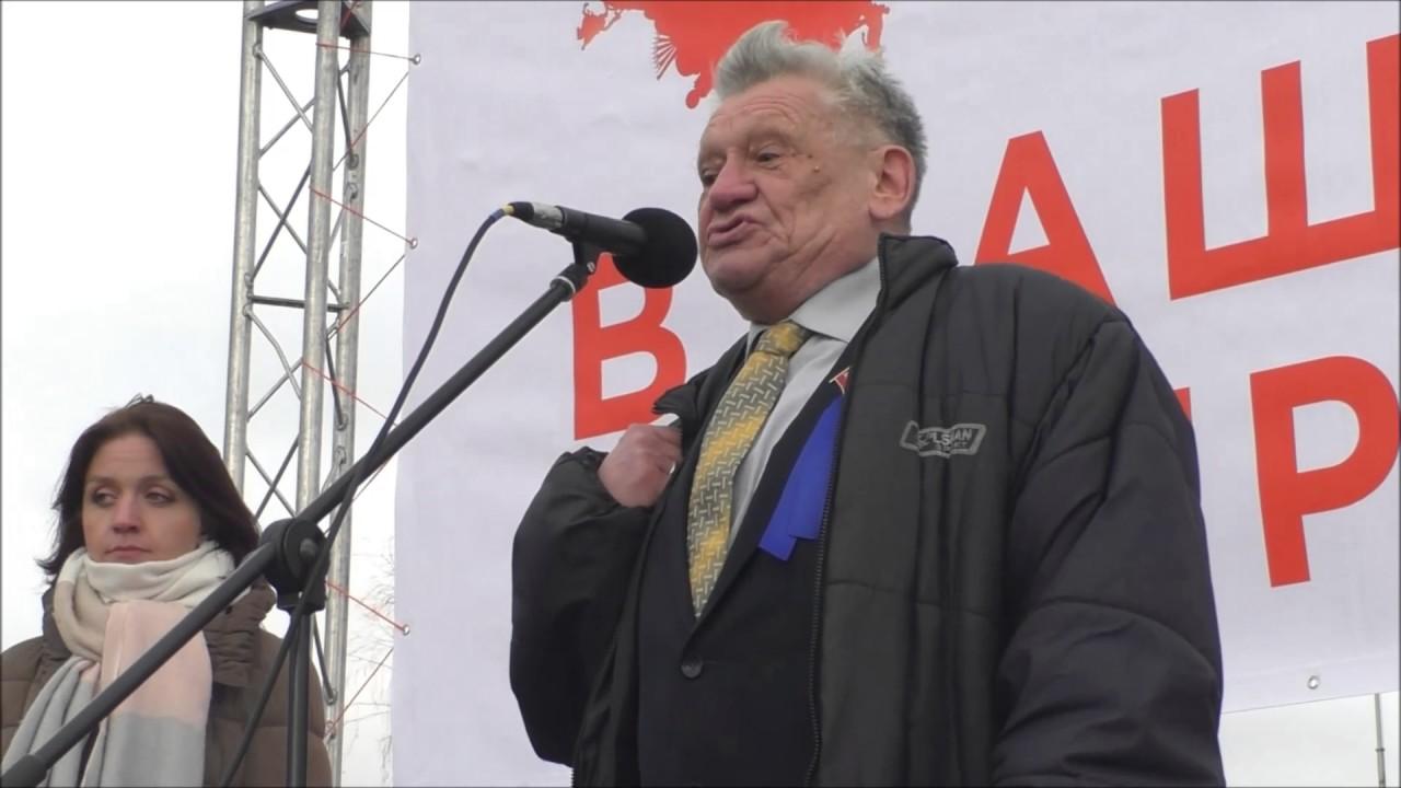 фото ЗакС политика Пикетировавшему ЗакС коммунисту Машковцеву дали высказаться перед депутатами