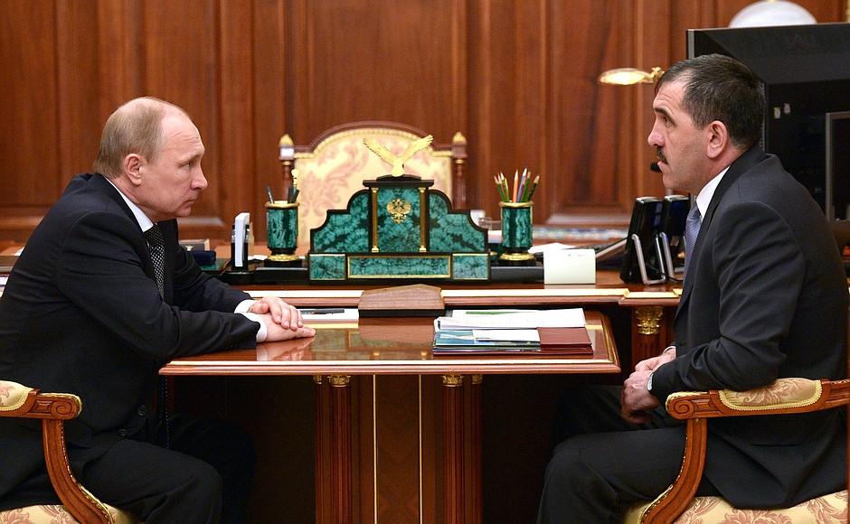 фото ЗакС политика Путин принял отставку Евкурова и назначил врио главы Ингушетии