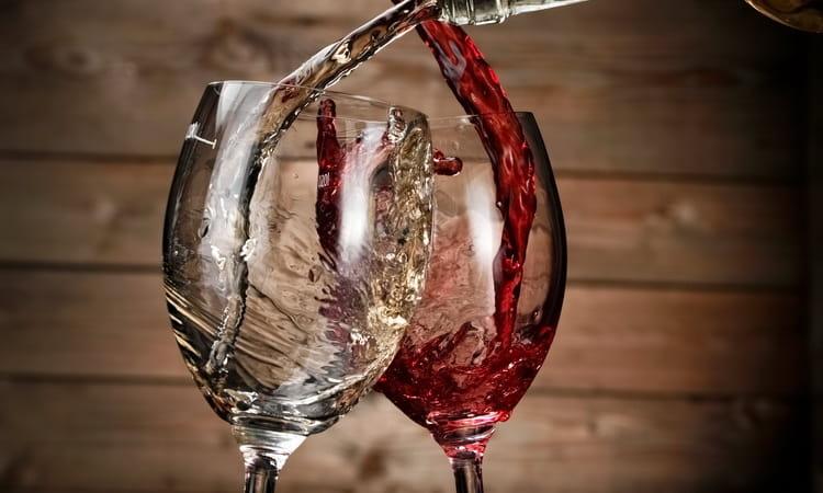 фото ЗакС политика В кабмине предложили заставить рестораны указывать в меню сначала российские вина