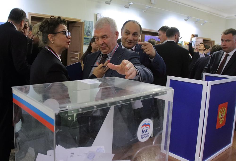 фото ЗакС политика Партия Социальной защиты намерена расколоть петербургскую «Единую Россию»