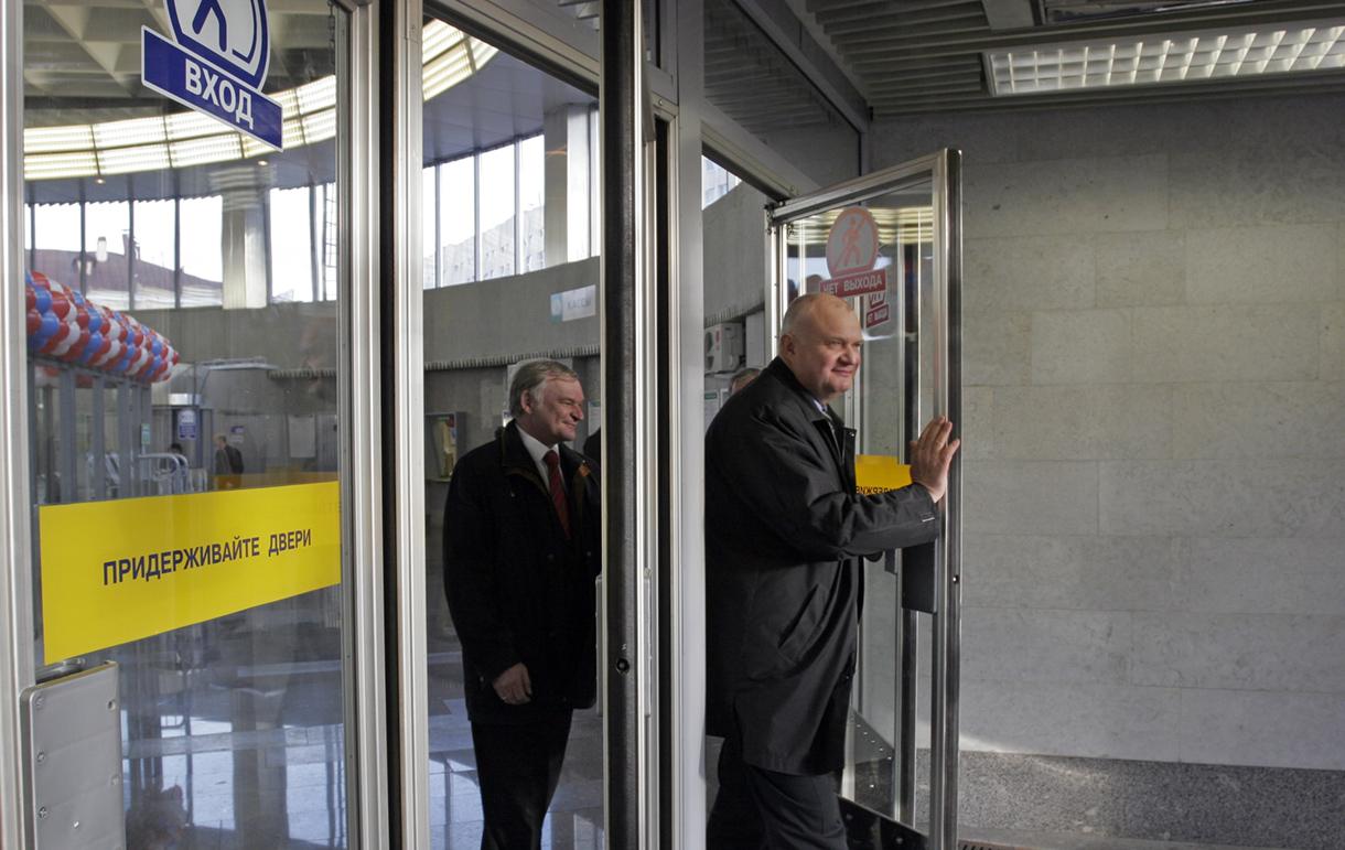 фото ЗакС политика Беглов высказался о протечках на новых станциях метро