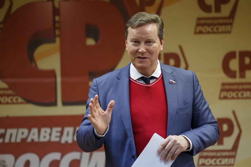 фото ЗакС политика Нилов намерен обратиться в ЦИК по поводу нарушений на выборах в Приморском районе