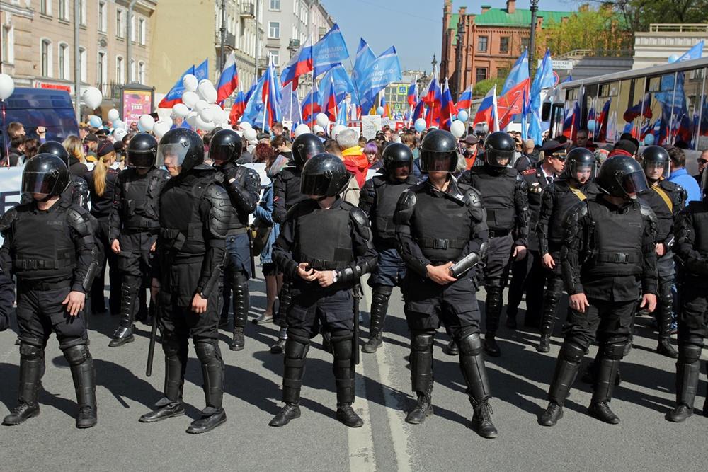 фото ЗакС политика Петербургский суд согласился, что полиция сама остановила шествие на 1 мая