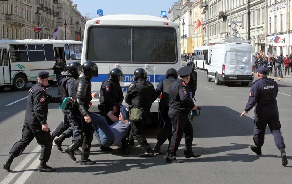 """фото ЗакС политика """"Новые люди - новые правила"""": У полиции поинтересовались о причинах задержаний на Первомае"""