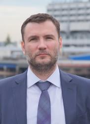 фото ЗакС политика Глава Красногвардейского района заработал в два раза меньше своего заместителя