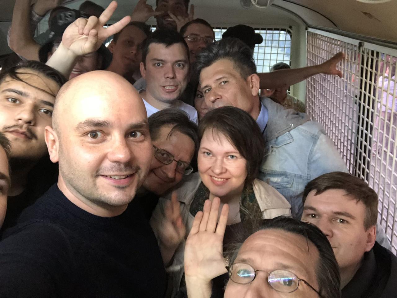 фото ЗакС политика На первомайском шествии в Петербурге задержан Андрей Пивоваров