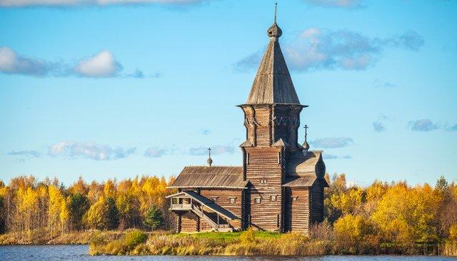 фото ЗакС политика Поджегшего деревянную церковь в Карелии подростка признали невменяемым
