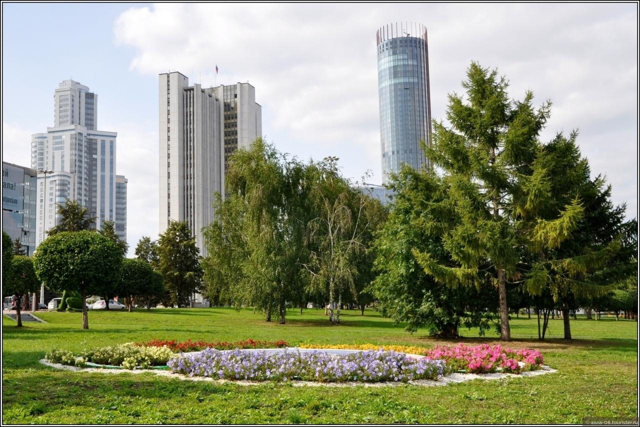 фото ЗакС политика 74% жителей Екатеринбурга сочли сквер неудачным местом для строительства храма