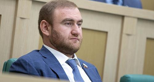 фото ЗакС политика Комиссия Совфеда рекомендовала прекратить полномочия Арашукова из-за отсутствия декларации о доходах
