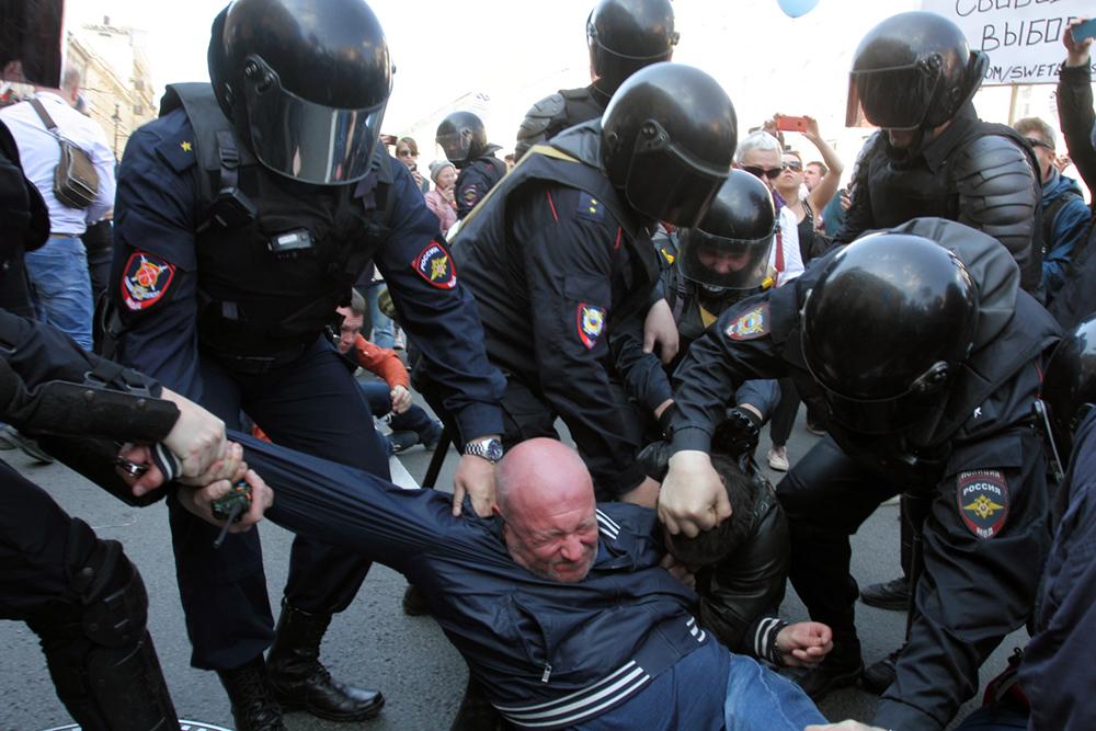 фото ЗакС политика Участники президентского совета по правам человека обсудят петербургский Первомай