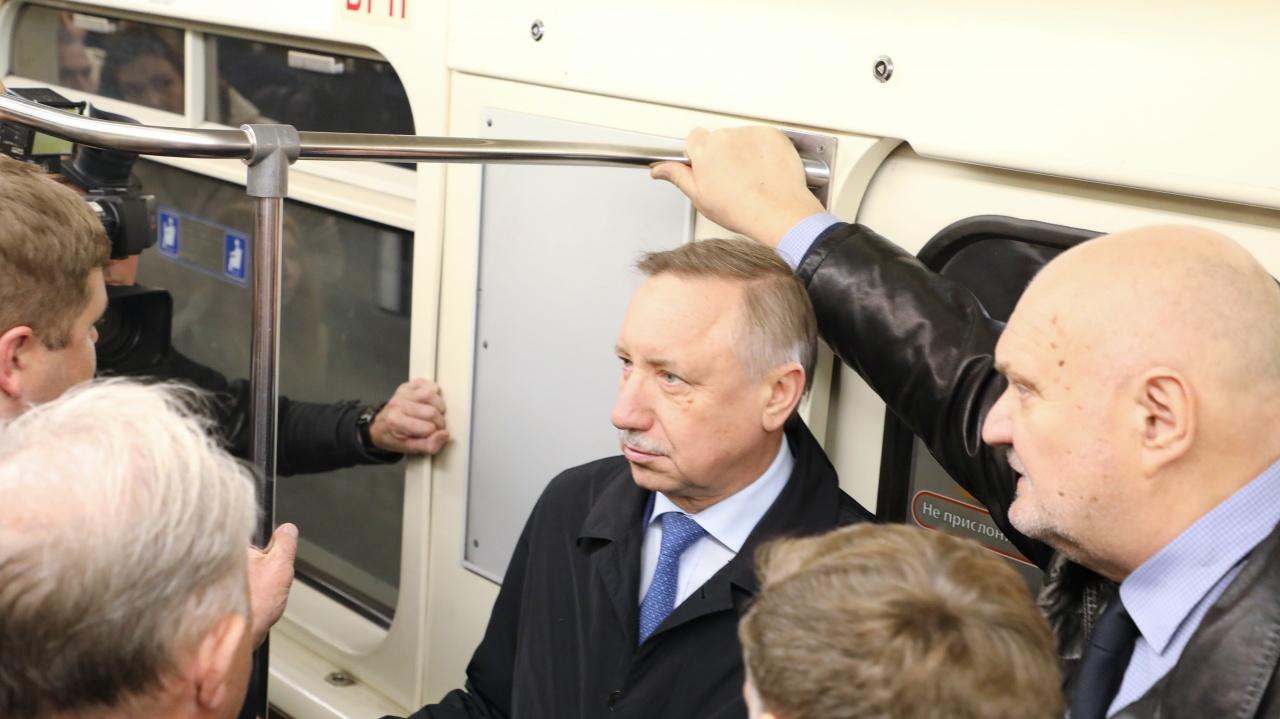 фото ЗакС политика Смольный планирует увеличить цены на проезд по «Подорожнику» всего на 1 рубль