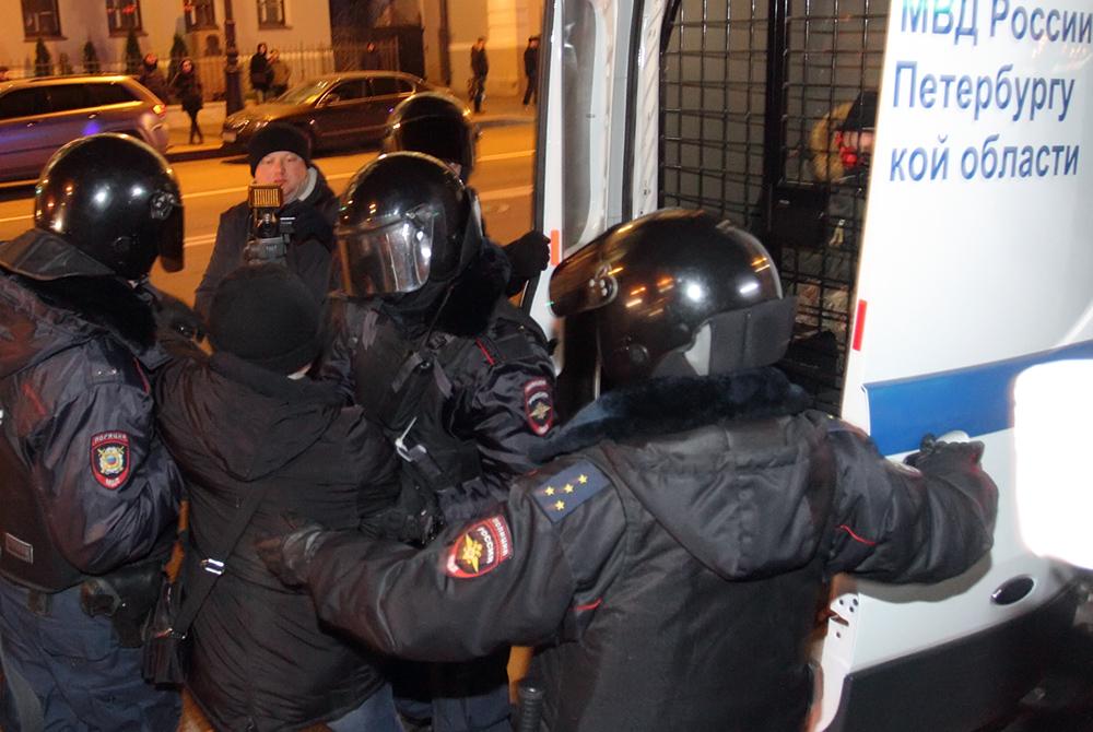 фото ЗакС политика Петербургские коммунисты пожаловались Шишлову на задержания 7 ноября