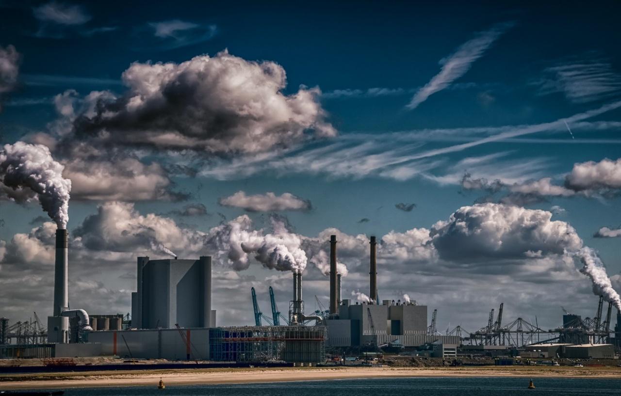 фото ЗакС политика Ленобласть введет мораторий на строительство опасных промышленных объектов