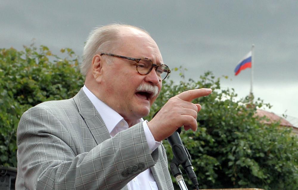 фото ЗакС политика Бортко рассказал, что Кириенко отговаривал его сниматься с выборов