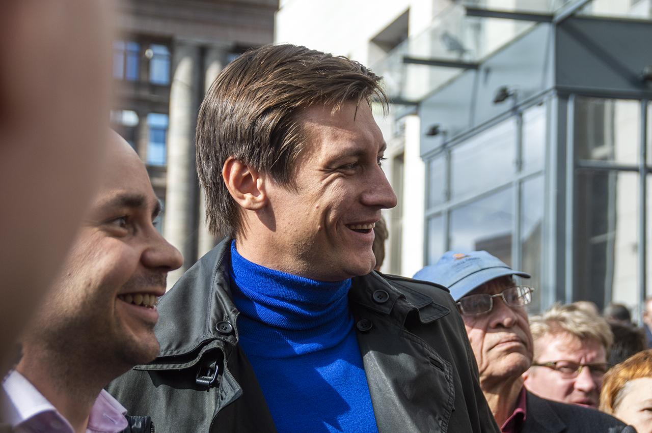 фото ЗакС политика Гудков рассказал о необычном сокамернике