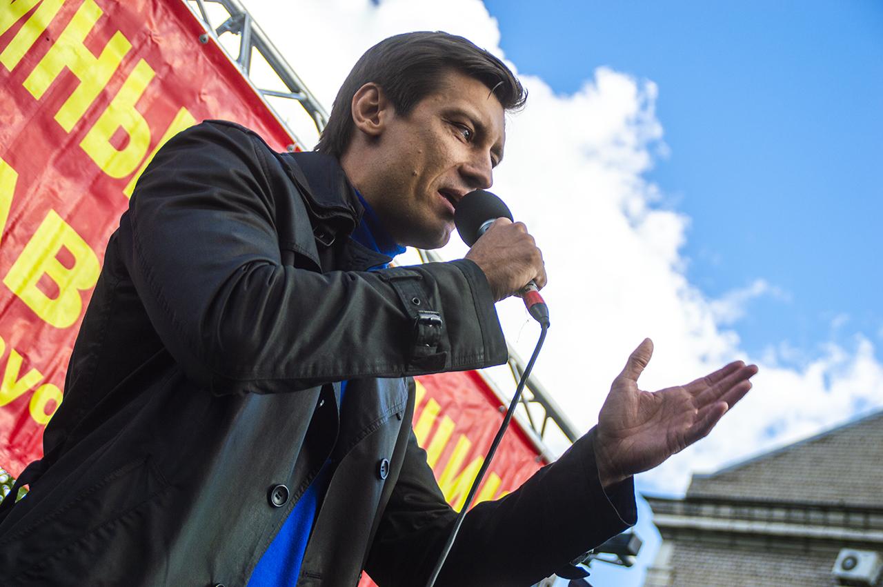 фото ЗакС политика Гудков: Любую трагедию Путин использует для грабежа и обмана