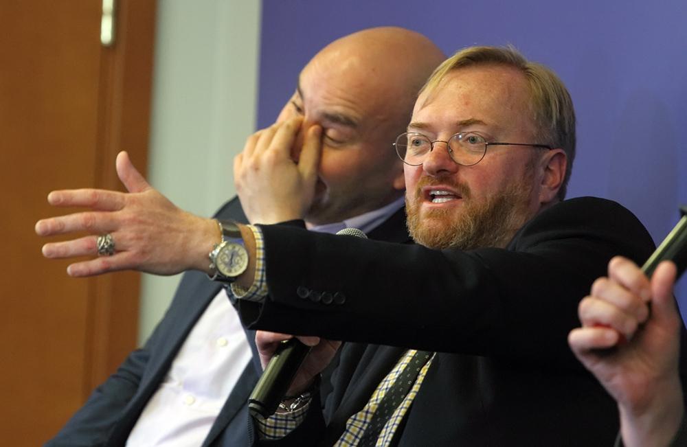 Милонов призвал петербургских депутатов раскрывать цели, на которые идет их бюджетная поправка