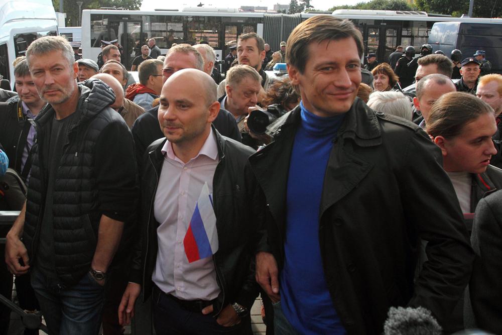 фото ЗакС политика Пивоваров и Ройзман приехали на Шиес поддержать экозащитников