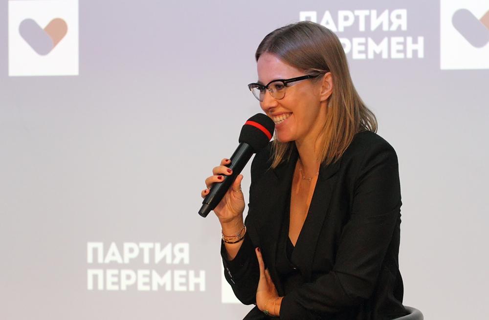 """фото ЗакС политика Собчак в шутку выдвинула Варламова в """"мэры"""" Петербурга"""