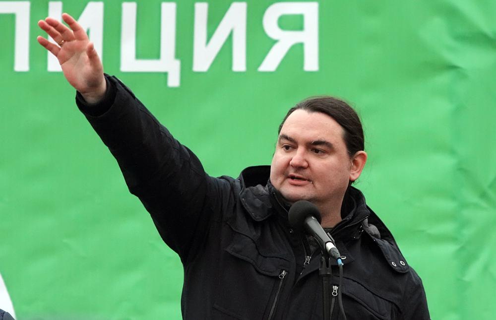 фото ЗакС политика Полицейские пытались попасть в квартиру лидера движения «Красивый Петербург»