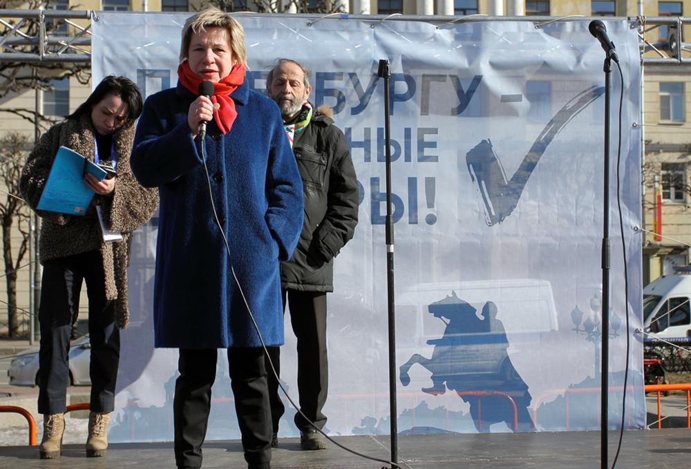 фото ЗакС политика Шишкина об инциденте с Милоновым на стоянке: Он просто столкнулся с реальной жизнью