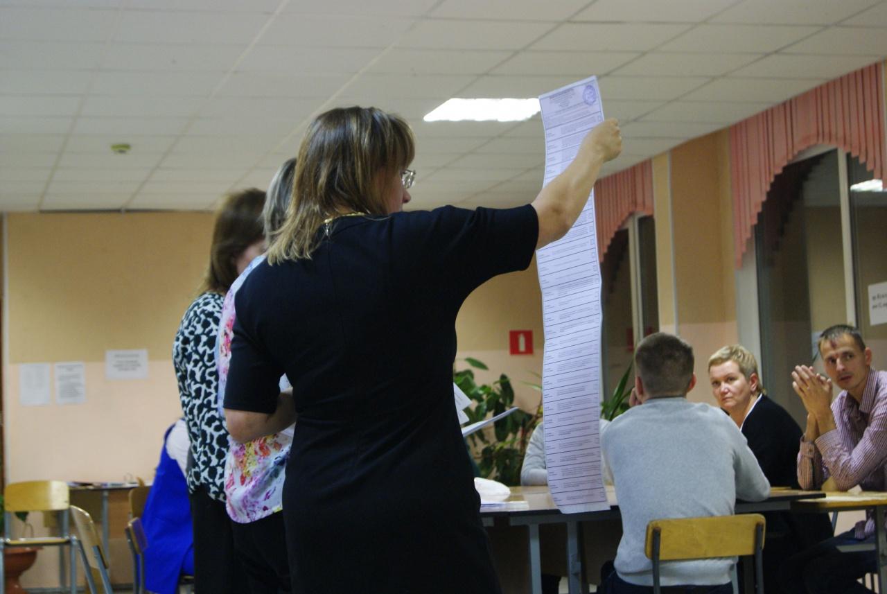 фото ЗакС политика Семь избирательных комиссий Петербурга не отчитались об итогах выборов