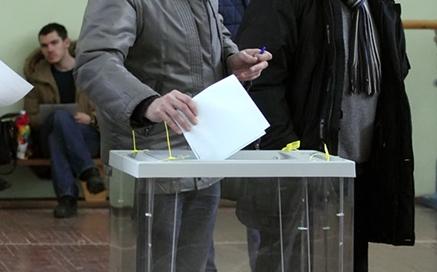 фото ЗакС политика Представители партий подискутировали в Смольном о спорных эпизодах муниципальных выборов