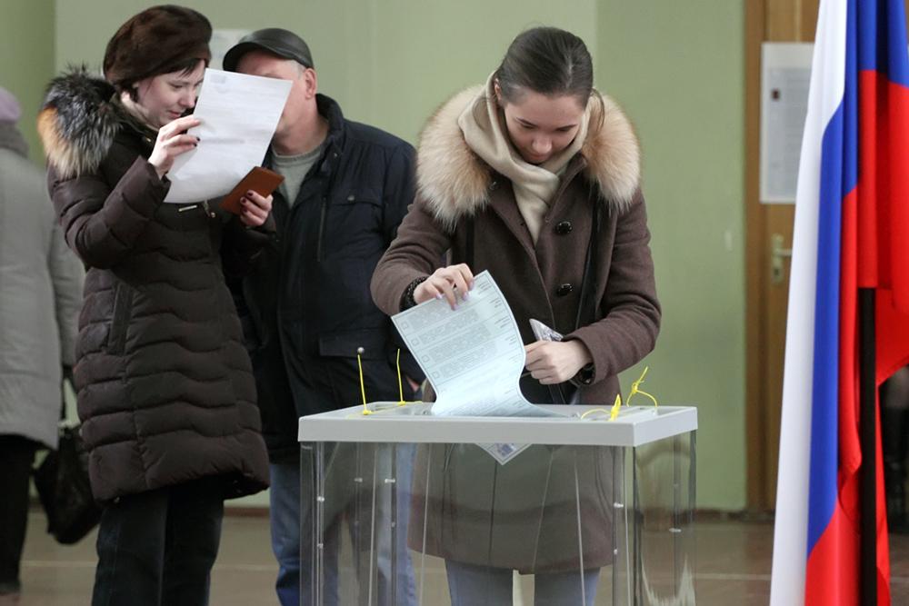 фото ЗакС политика ГИК не зарегистрировал как кандидатов в губернаторы 20 выдвиженцев