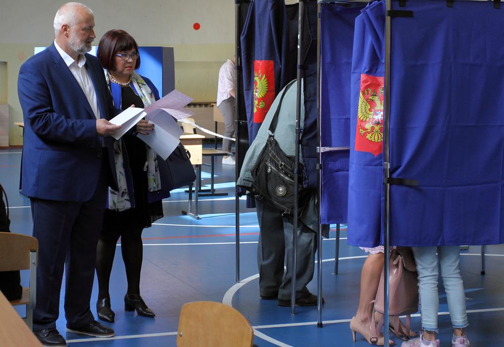 фото ЗакС политика Два избиркома не опубликовали итоги муниципальных выборов