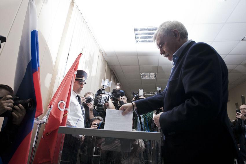 фото ЗакС политика Горизбирком готовит плакаты к губернаторским выборам