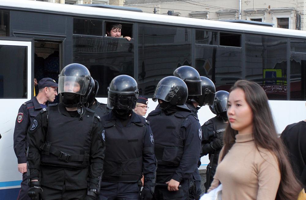 Жителя Елабуги оштрафовали за прослушивание экстремистской песни
