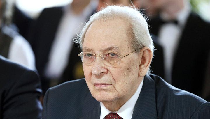 фото ЗакС политика На Петровской набережной появится мемориальная доска в честь академика Гранова