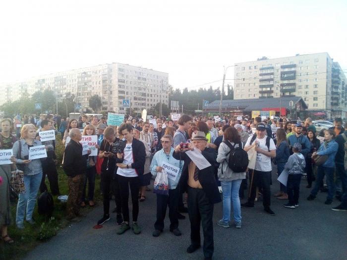 """фото ЗакС политика Представителя """"Анна Нова"""" полиция увела от защитников Муринского парка"""