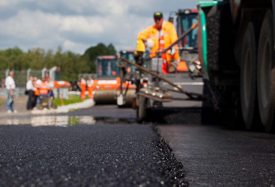 КРТИ запросил из бюджета почти 7 млрд рублей на ремонт дорог Петербурга