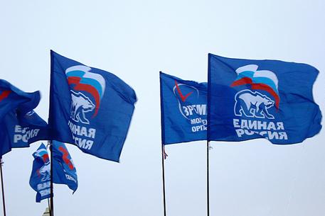 фото ЗакС политика Десятка единороссов заняла все места в муниципальном совете Адмиралтейского округа