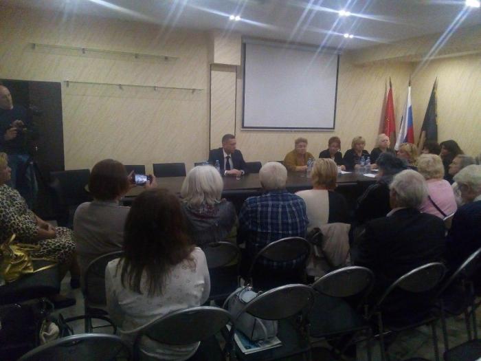 """фото ЗакС политика В """"Литейном округе"""" состоялось еще одно первое заседание муниципального совета"""