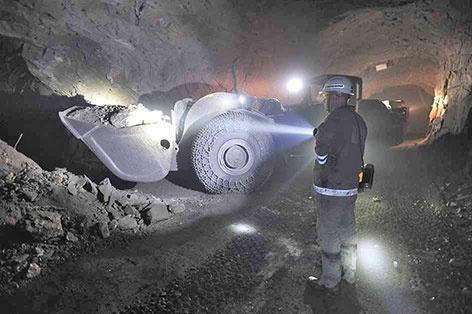 """фото ЗакС политика Трое рабочих погибли при аварии на руднике """"Таймырский"""""""