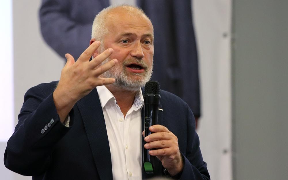 фото ЗакС политика Амосов призвал петербуржцев создать большую гражданскую коалицию
