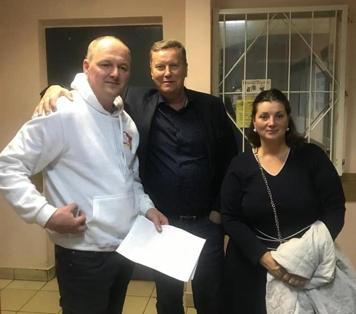фото ЗакС политика Мундепа Шмакова отпустили из отдела полиции