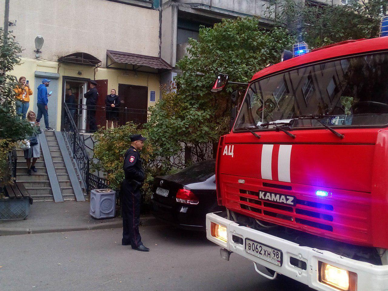 """фото ЗакС политика В ИКМО """"Озеро Долгое"""" приехали пожарные"""