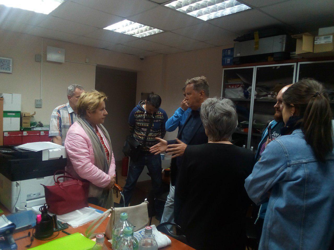 фото ЗакС политика Нилов обратился к Памфиловой по поводу муниципальных выборов в Приморском районе
