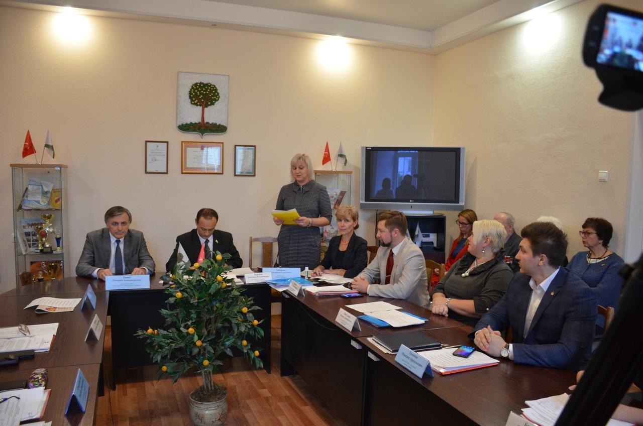 фото ЗакС политика Город Ломоносов возглавила бывшая глава местной администрации